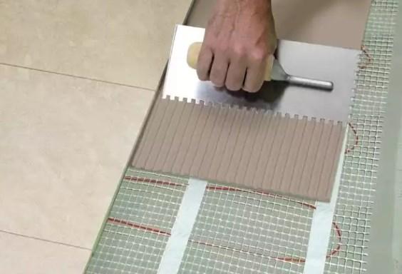 Критерии выбора клея для плиточных теплых полов