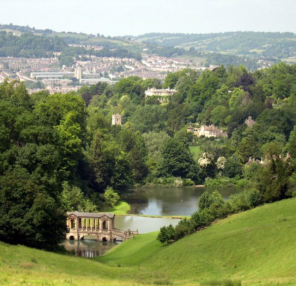 1200px-Prior_Park_Bath_Palladian_Bridge