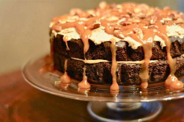 Double-Caramel-Turtle-Cake