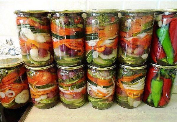salat-polosatii-na-zimu-foto