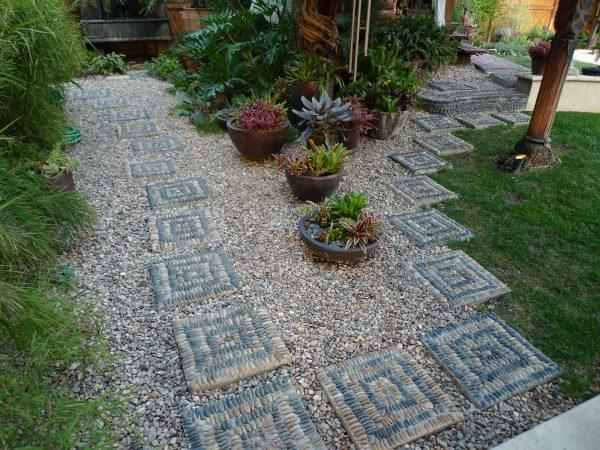 Stepping-Stones-Gravel