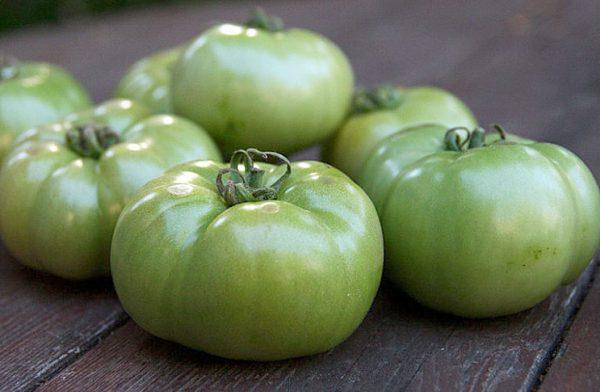 pomidory-kak-uskorit-sozrevanie-tomatov