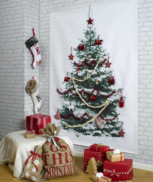 5-christmas-tree-wall-1