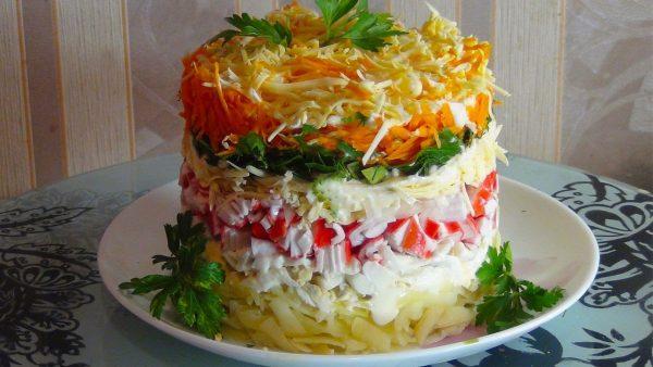 Картинки по запросу Новогодних салатов Нежный краб