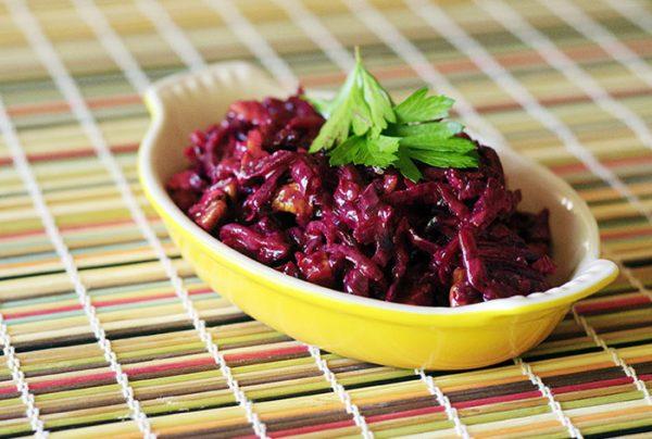 Картинки по запросу Новогодних салатов Свекольный салат