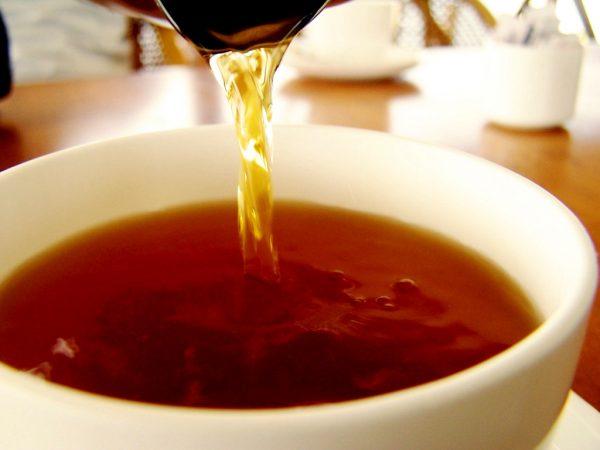 Картинки по запросу Как помыть зеркало Из черного чая делают крепкую заварку
