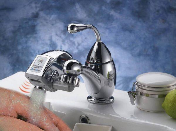Water-Saver-nasadka-na-kran-imidzhevaya-kartinka