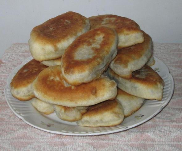gotovye-domashnie-pirozhki-s-myasom
