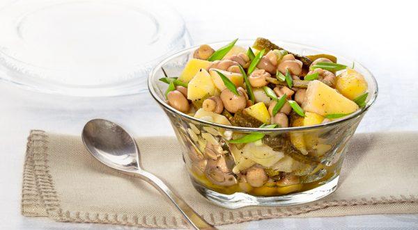 Картинки по запросу Картофельно-грибной салат с солёными огурцами