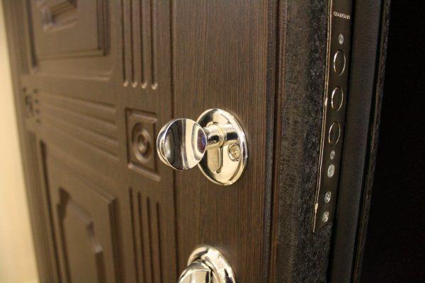 kupit-stalnye-dveri