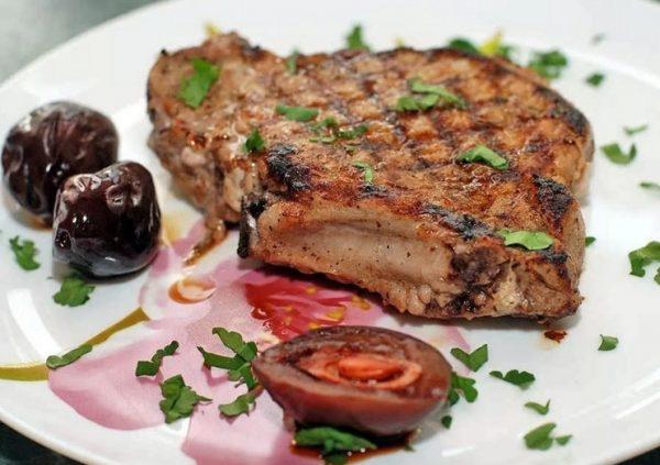 Картинки по запросу Свиные отбивные в духовке с сыром: удачные рецепты