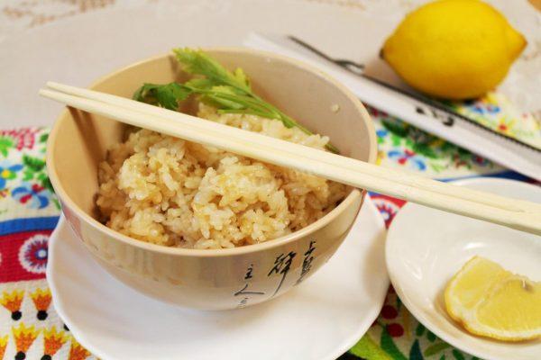 Рис с чесноком. Вроде так просто, а как вкусно получается! Такой рис намного вкуснее отварного!