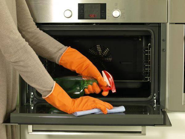 Картинки по запросу Как быстро очистить духовку от старого нагара