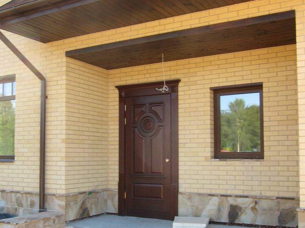 vhodnye dveri kak vibrat