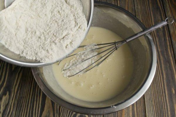 Domashnii-tort-s-kremom-iz-manki-06-640x426