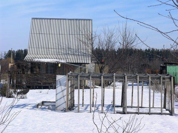 Картинки по запросу Не топчите снег на даче