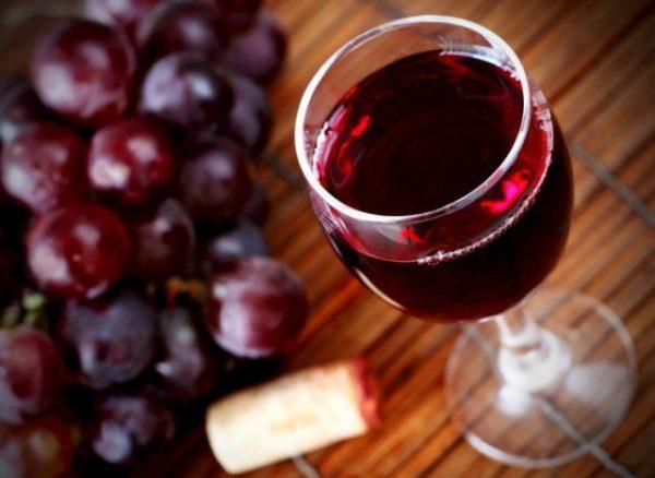 domashnee-vino-iz-vinograda-14-prostyh-retseptov-s-foto-1