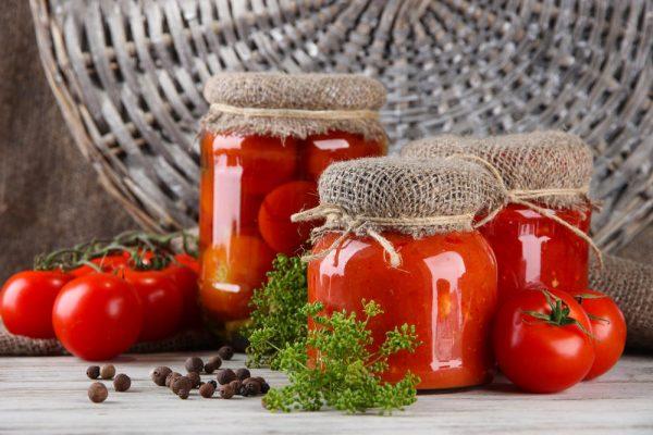 kak-zapastis-tomatami-na-vsyu-zimu-4-populyarnyh-sposoba-1