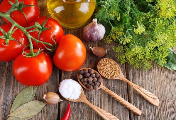 kak-zapastis-tomatami-na-vsyu-zimu-4-populyarnyh-sposoba-5