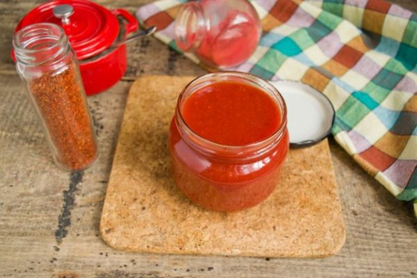 kak-prigotovit-ketchup-iz-pomidorov-i-sliv-luchshij-retsept-10