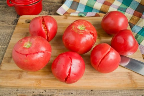 kak-prigotovit-ketchup-iz-pomidorov-i-sliv-luchshij-retsept-2