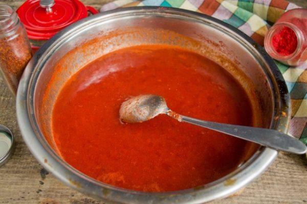 kak-prigotovit-ketchup-iz-pomidorov-i-sliv-luchshij-retsept-9
