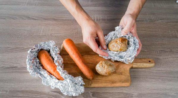 Zapekite-ovoshhi-dlya-sloenogo-salata-s-kuritsej