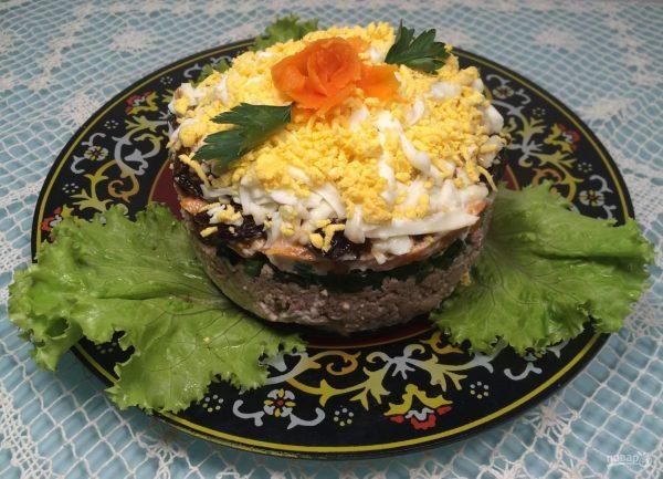 kak-prigotovit-salat-s-pechenyu-treski-i-kukuruzoj