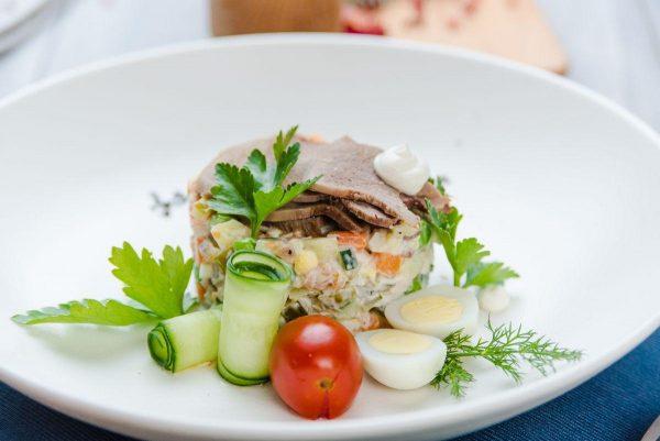 olive-s-telyachim-yazykom-i-fermerskim-tsyplenkom