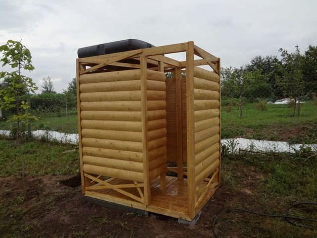 Летний душ для дачи своими руками из подручных материалов: фото и ...