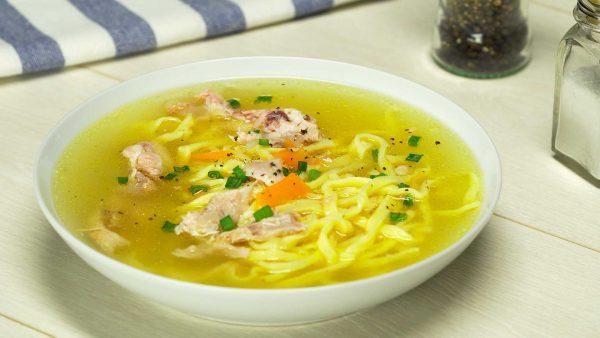 Куриный суп с лапшой - пошаговый рецепт с фото и видео от Всегда ...