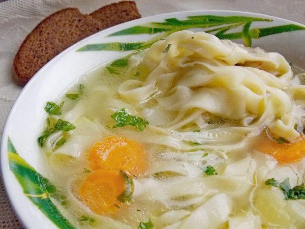 Куриный суп с домашней лапшой. Пошаговый рецепт с фото — Ботаничка.ru