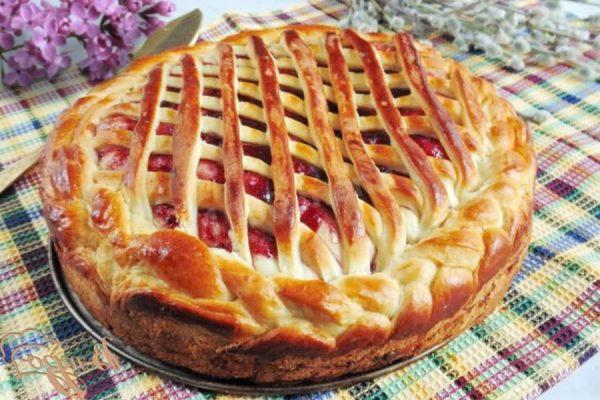 Пирог из сдобного теста с джемом рецепт с фото - 1000.menu
