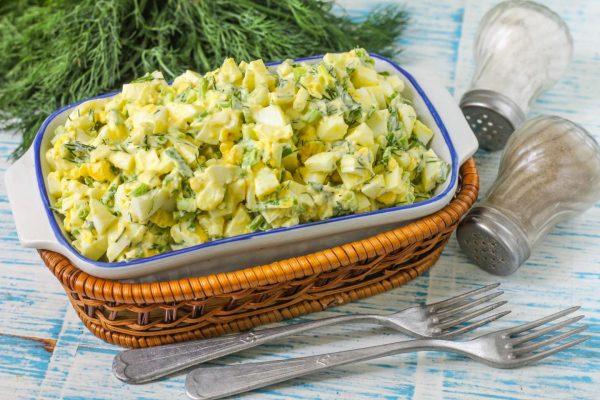 salat-zelenyi-luk-s-yaicom2 1527458972 8 max